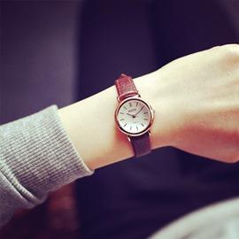 品牌女錶 復古休閒真皮手錶女學生簡約潮小錶盤細帶防水石英錶 玩咖3C
