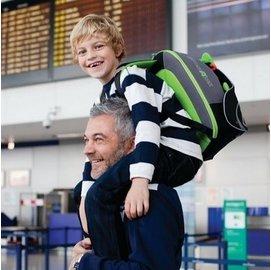 【紫貝殼●現貨●獨家贈Chicco泡泡浴露】『HB08-1』英國 Trunki BoostApak 兒童增高椅背包/汽車安全座椅與背包(綠)【保證公司貨】