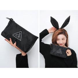 3CE 刺繡字母立體三角化妝包 收納包 6 12~6 15韓國首爾連線