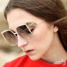 FENDI芬迪太陽鏡女正品 華麗 潮大框復古墨鏡三色0259