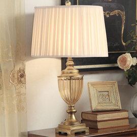 5Cgo 【代購七天交貨】20142219863 水晶歐式台燈 美式奢華創意時尚簡約客廳臥室床頭燈 高檔現代 桌燈 抬燈燈座樹脂+玻璃