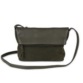 MARKBERG Cari 丹麥手工牛皮時尚反折肩揹包 斜背包/ 側揹包(個性絨綠)